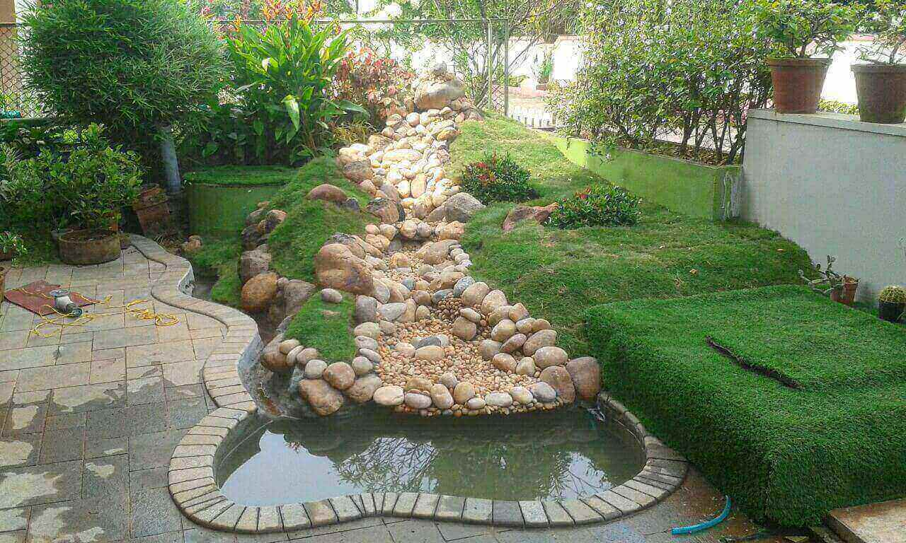 Landscaping With Koi Fish Pond