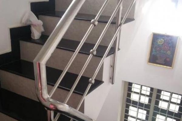 handrail5A818C0F8-B50C-821B-BD2B-753418B67969.jpg