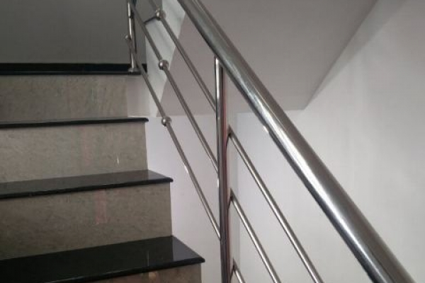 handrail60380CE30-4B40-6E32-CA56-3805DBAF6444.jpg