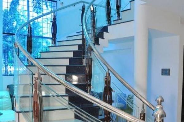 handrails143E521B5A-63C4-3BB1-2B29-B061E965264B.jpg