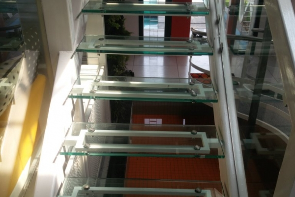 handrails19664A725B-CE75-CC4E-6D92-906A91B6FA3B.jpg