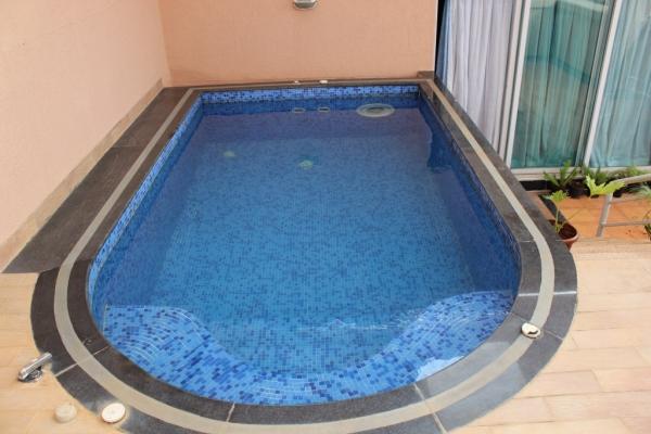 sample-pool-2052A4C3A3-9136-67E8-C683-B5FCB1491B10.jpeg