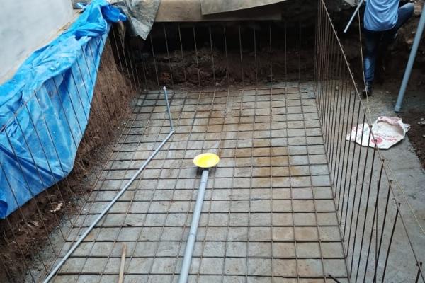 koi-fish-pond-construction-3C8E708B8-64FA-A873-A27E-5E084696D020.jpg